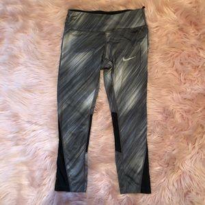 🛍Nike Capri Leggings Size:XS